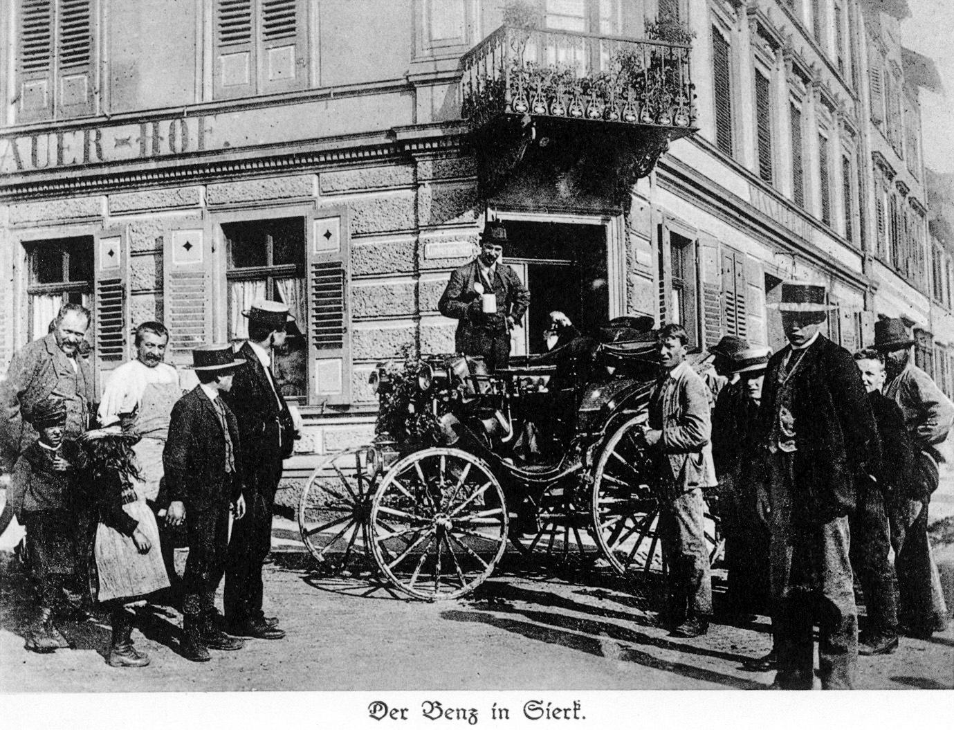 Auf seiner Fernreise sorgt der Benz Victoria von Baron Theodor von Liebieg 1894 für Aufsehen.