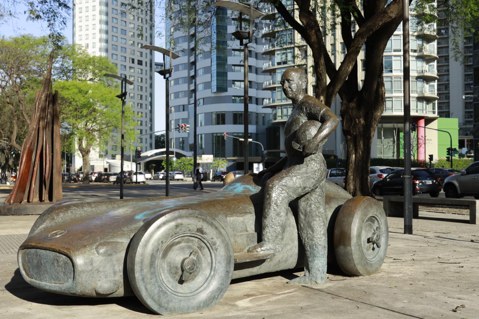 Manuel Fangio Statue