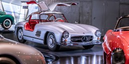 Mercedes-Benz Museum Stuttgart. Mythosraum 4: Wunderjahre, Form und Vielfalt.