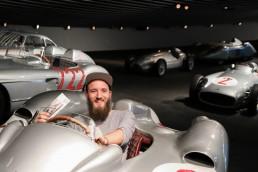 Der zehnmillionste Gast, Informationsdesigner Clemens Bergmann, kam am 2. Juli 2019 ins Mercedes-Benz Museum.