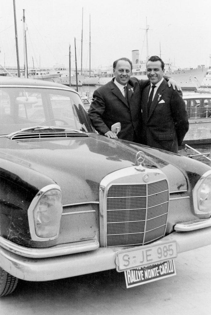 XXIX. Rallye Monte Carlo, 18. bis 24. Januar 1960. Walter Schock und Rudolf Moll fahren auf einem Mercedes-Benz 220 SE Tourenwagen zum Sieg.