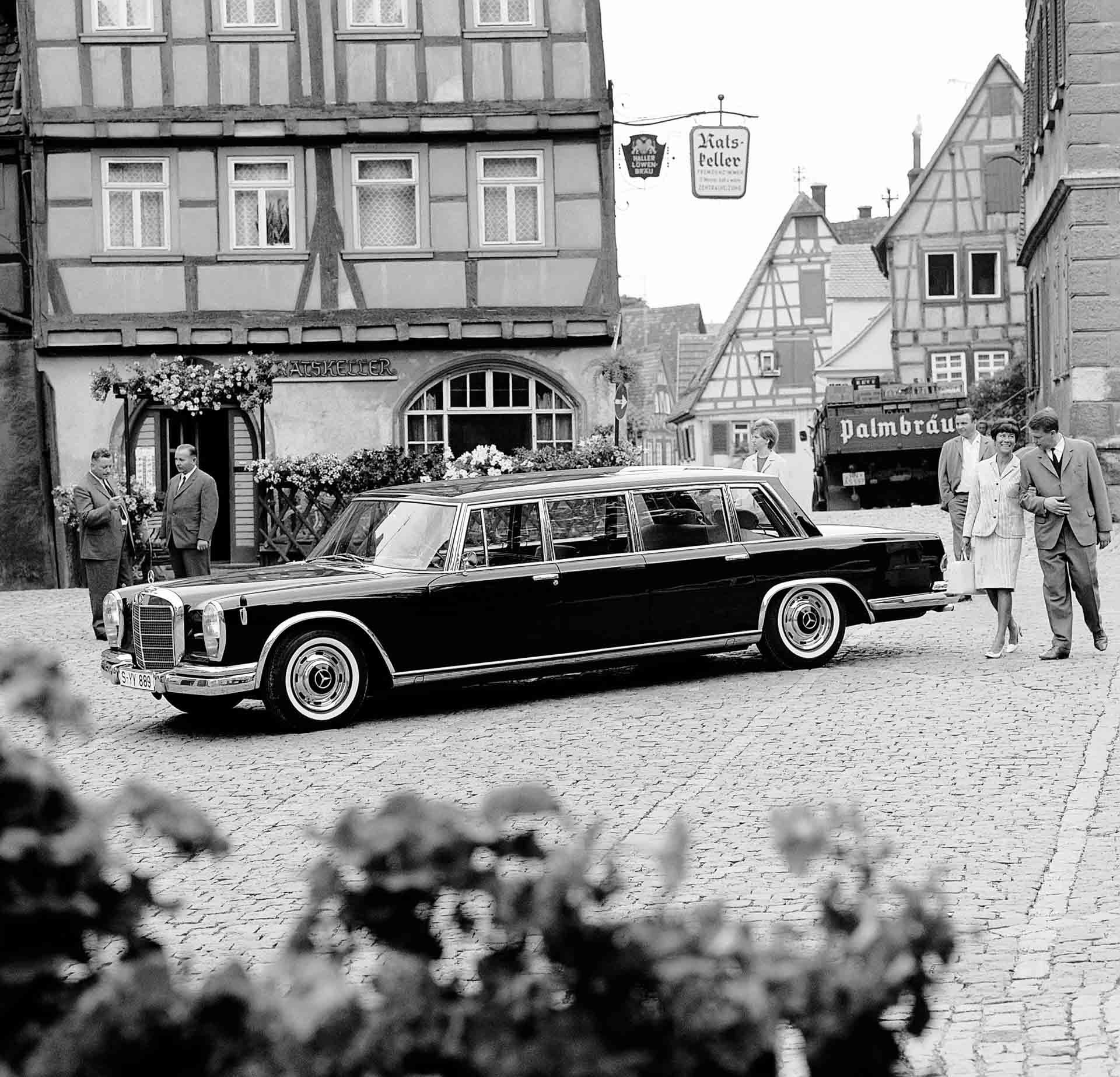 Für den repräsentativen Auftritt: Mercedes-Benz 600 Pullman Staatslimousine (W 100) aus dem Jahr 1967.