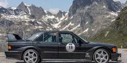 """Mercedes-Benz 190 E 2.5-16 Evolution II aus der Sammlung von Mercedes-Benz Classic, gefahren von Markenbotschafter Klaus Ludwig (""""König Ludwig"""") und Influencerin Shareen Raudies (@shareenqueen auf Instagram) bei der Silvretta Classic Rallye Montafon 2019."""