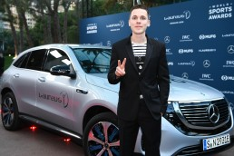 Felix Jaehn (DJ) vor dem Mercedes-Benz EQC 400 4MATIC. Sport Allgemein/ Laureus World Sports Awards 2019, 18.02.2019