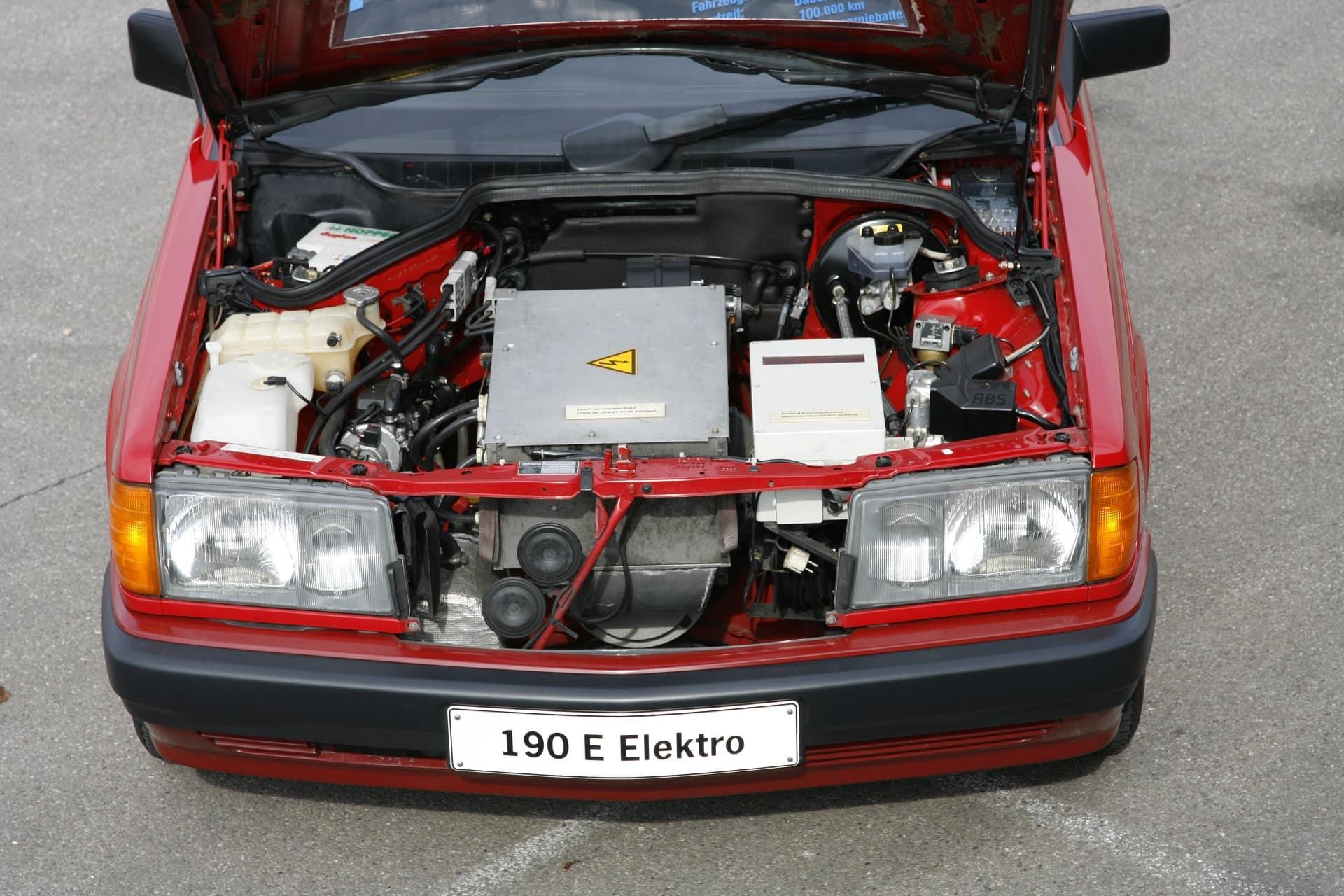 Erprobungsfahrzeug Mercedes-Benz Typ 190 (W 201) mit Elektroantrieb, 1991.