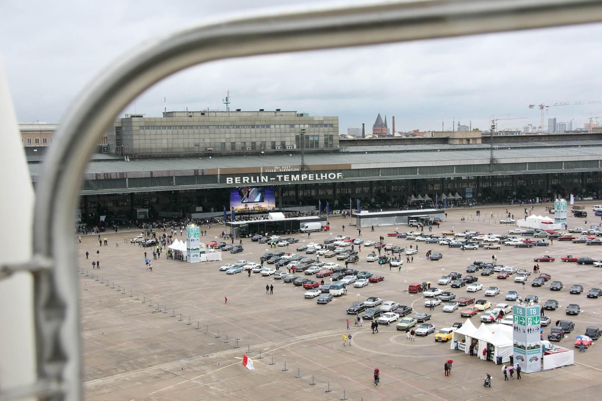 Mercedes Benz & Friends 2011