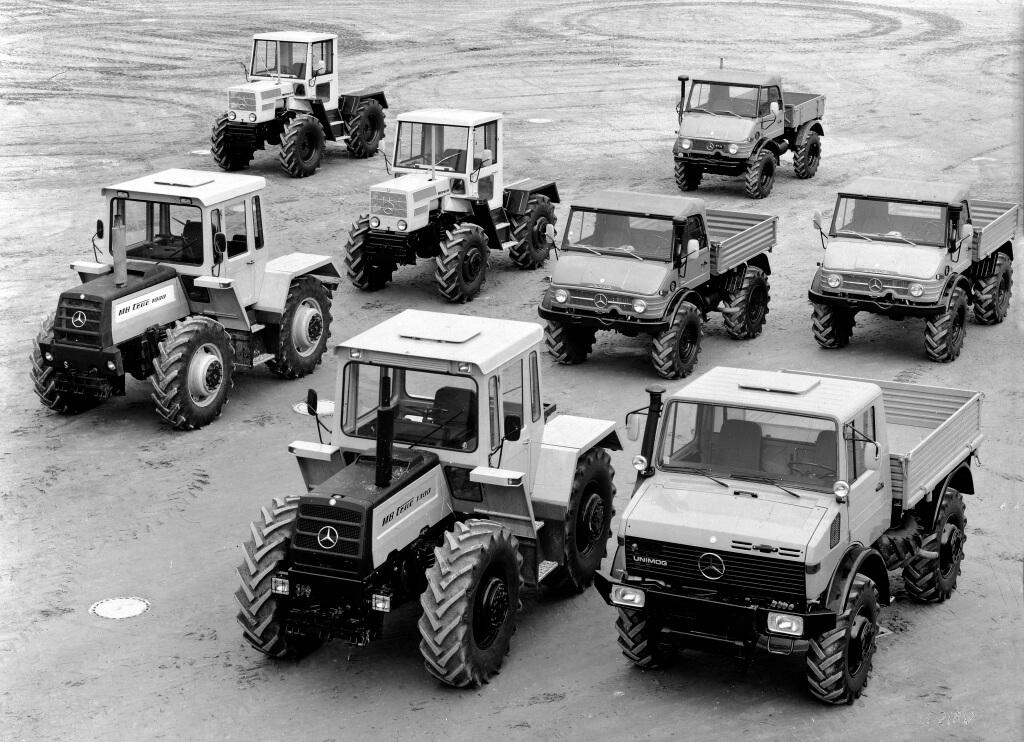 Mercedes-Benz Programm landwirtschaftlicher Fahrzeuge aus dem Jahr 1976. Das Foto zeigt Unimog der Baureihen 403, 406, 421 und 425 sowie MB-trac der Baureihen 440, 442 und 443.