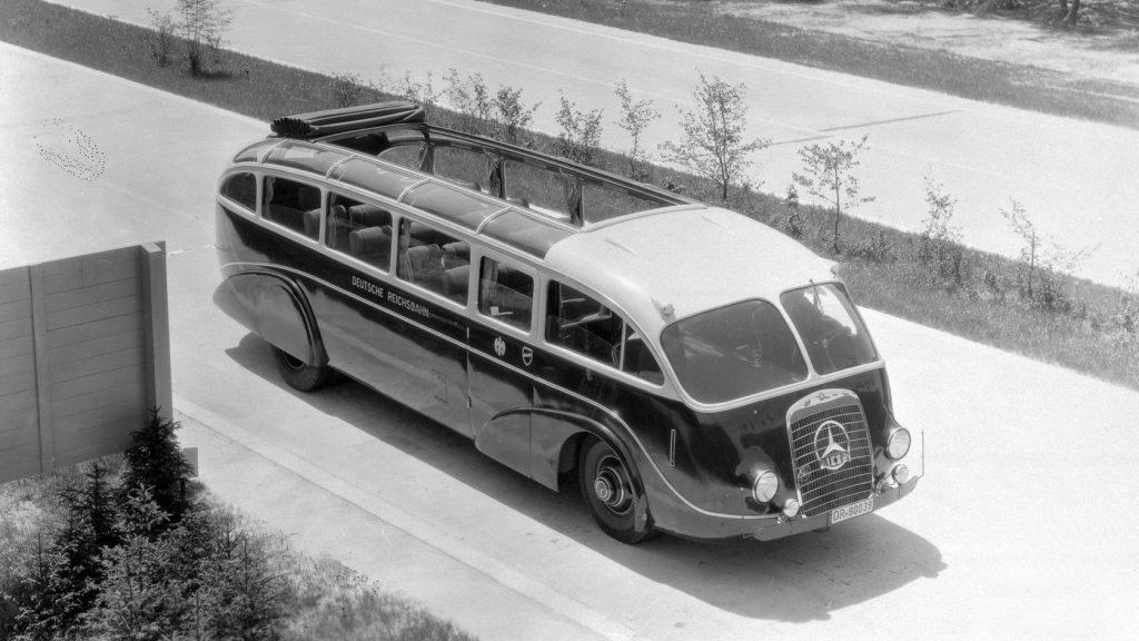 1934: Schnittig: Der Stromlinienbus LoP 3100