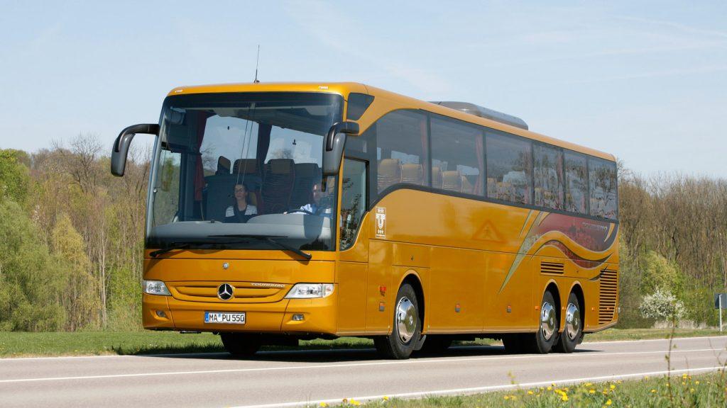 Mercedes-Benz Tourismo: Betont glattflächig sind die Seitenwände ausgeführt.