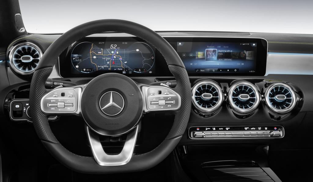 Das neue Infotainmentsystem MBUX (Mercedes-Benz User Experience) stellt die Marke im Januar 2018 auf der Consumer Electronics Show in Las Vegas (CES) vor. Es zeichnet sich unter anderem durch Sprachsteuerung und ein hochauflösendes Widescreen-Cockpit aus. Die Navigationsdarstellung arbeitet mit Augmented-Reality-Technologie.