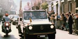 """Premiere vor 40 Jahren: """"Papamobil"""" auf Basis der Mercedes-Benz G-Klasse"""