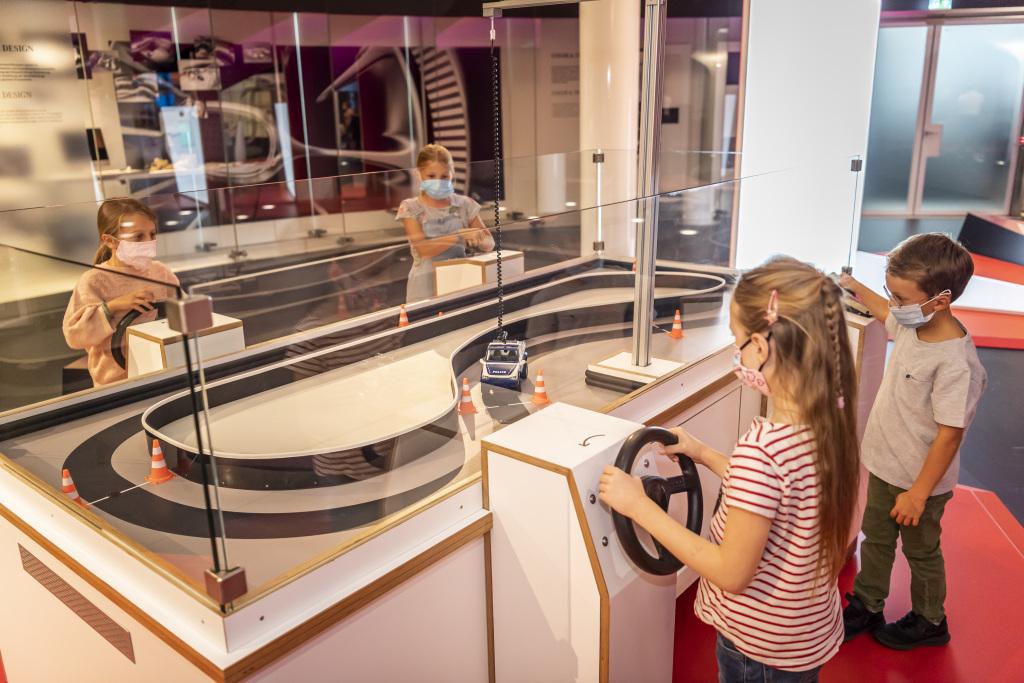 """""""Erleben schafft Wissen"""" – so heißt die Mitmachausstellung der experimenta Heilbronn. Sie ist ab 3. Oktober 2020 Teil der Dauerausstellung im Mercedes-Benz Museum."""