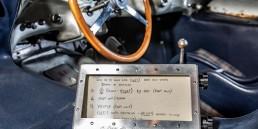"""""""Gebetbuch"""" von Denis Jenkinson, dem Kopiloten von Stirling Moss bei der Mille Miglia 1955. Zu sehen sind die Aufzeichnungen der letzten Kilometer bis zum Ziel in Brescia. Foto aus dem Mercedes-Benz Museum."""