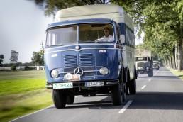 Mercedes-Benz LP 333, Fahrer: Joachim Schlereth, Leiter Vertrieb und Services Lkw Mercedes-Benz Deutschland, 17. Deutschlandfahrt für Lkw-Oldtimer.