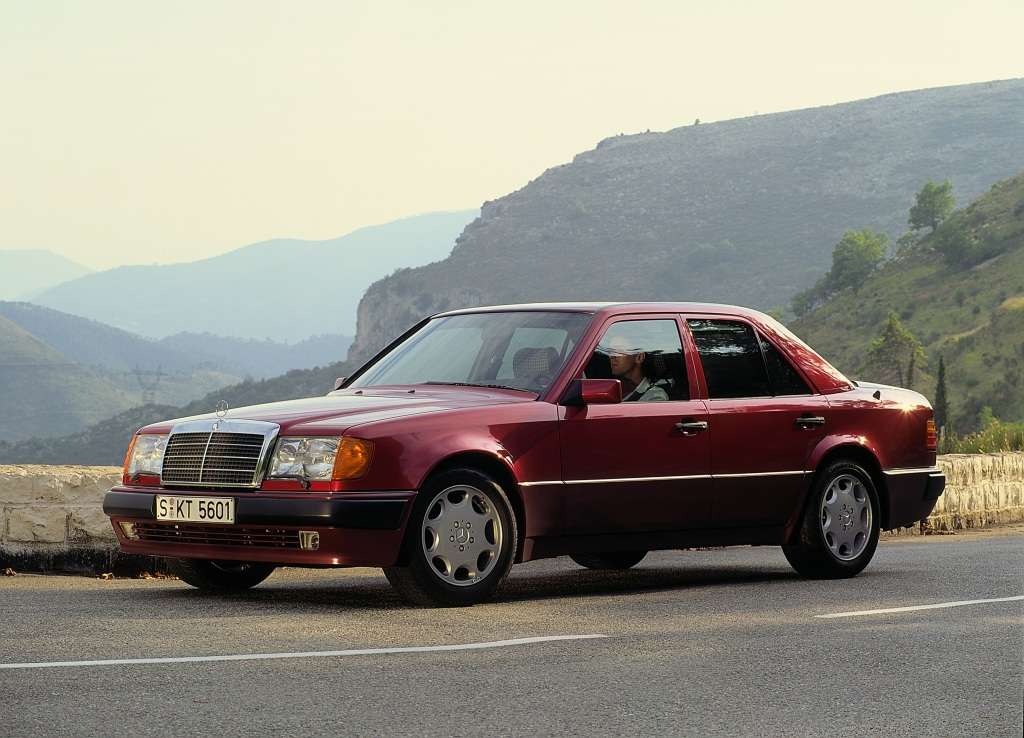 Mercedes-Benz 500 E (W 124), Exterieur. Foto aus dem Jahr 1990.