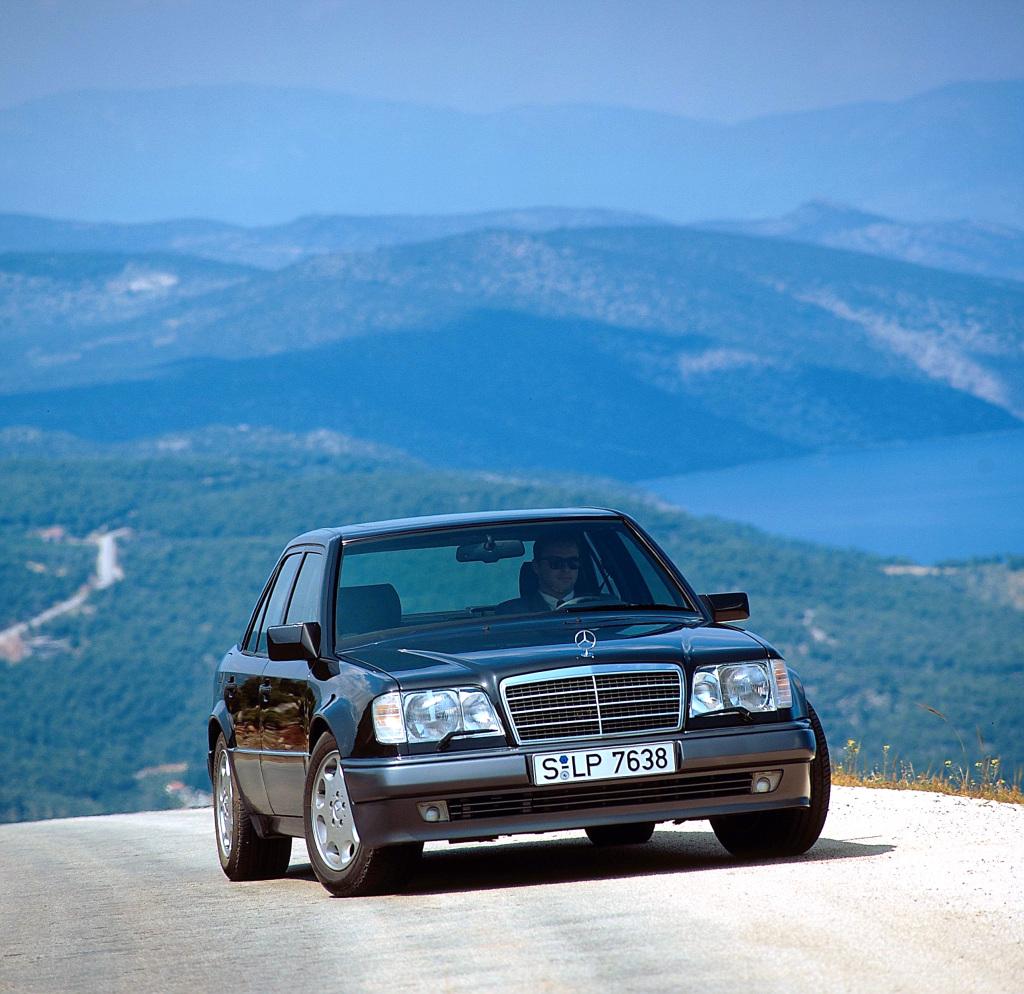 Mercedes-Benz E 500 (W 124), Exterieur. Foto aus dem Jahr 1993.
