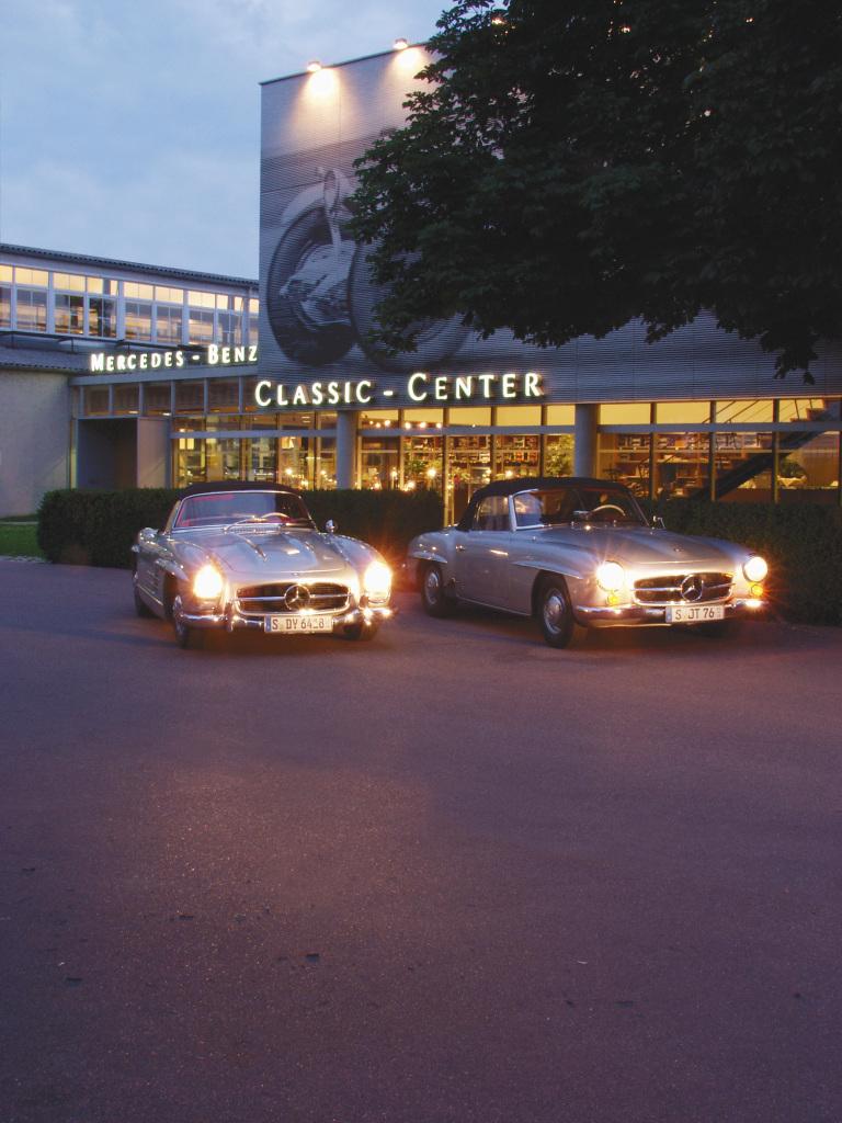 Klassik-Kompetenz von Weltrang: Das Mercedes-Benz Classic Center wird 1993 in Fellbach bei Stuttgart eröffnet, damals noch unter dem Namen Oldtimer-Center. Foto aus dem Jahr 2005.