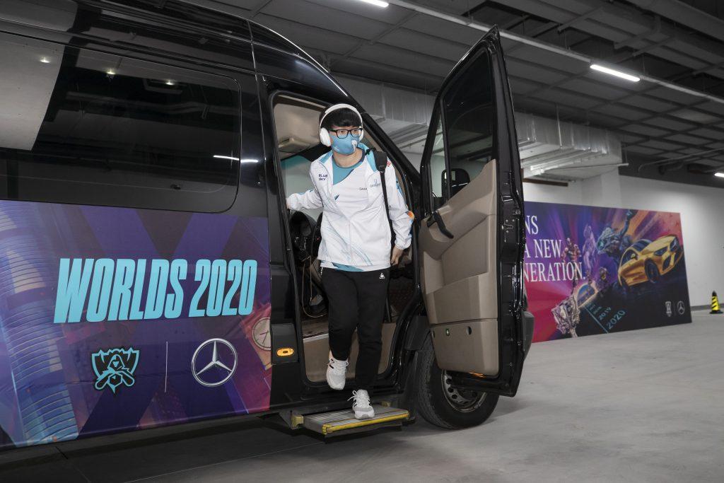 Mercedes- Benz Spieler Ankunft bei den Weltmeisterschaften 2020