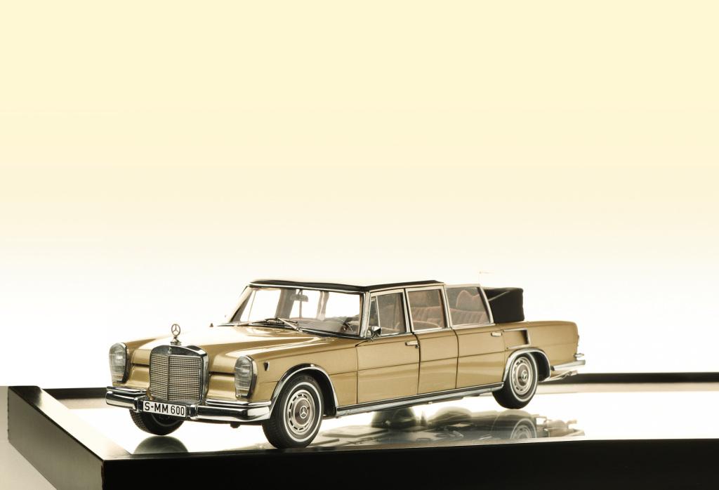 """Das Mercedes-Benz 600 Pullman Landaulet (W 100) von CMC im Maßstab 1:18 gewann bei der Wahl zum """"Modellfahrzeug des Jahres"""" durch die Leser der Fachzeitschrift """"Modell Fahrzeug"""" in den Kategorien """"Supermodell des Jahres 2020"""" und """"Sammeln: 1:18 Klassik"""". Foto: Delius Klasing Verlag."""