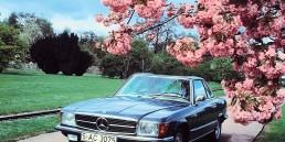Mercedes-Benz 350 SL (R 107, Produktionszeitraum 1971 bis 1989). Zeitgenössisches Genrefoto von links vorn.