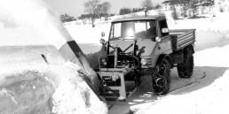 Mercedes-Benz Unimog U 65 im Winterdienst (Baureihe 406, 1963-1966).