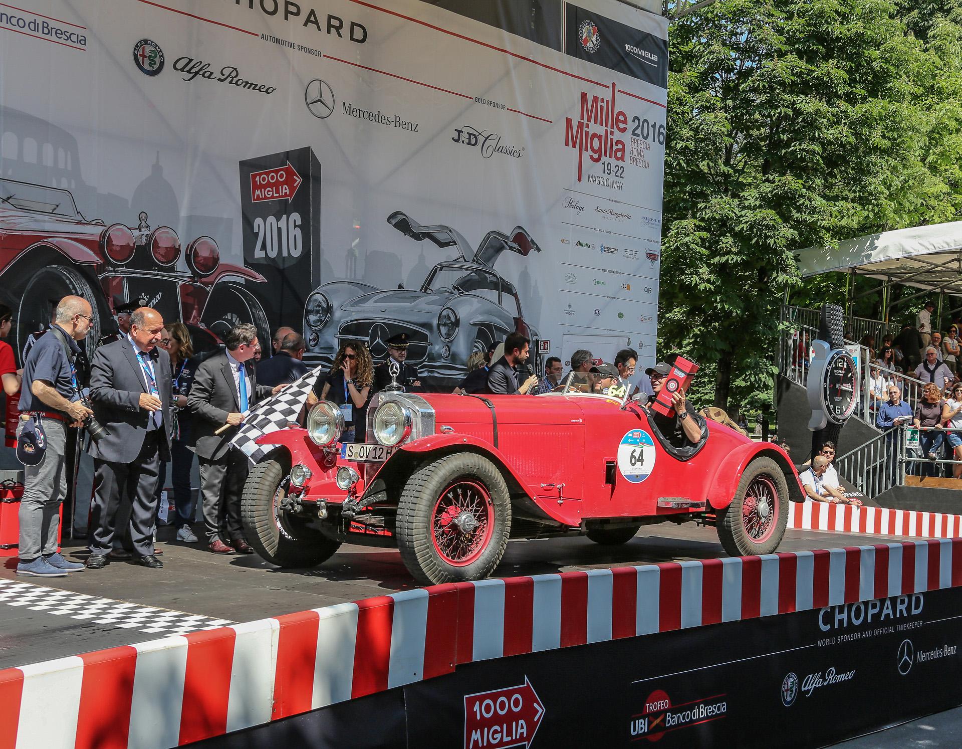 Historische Gleichmäßigkeitsfahrt Mille Miglia 2016. Mercedes-Benz SS (W 06), gefahren von Mercedes-Benz Markenbotschafter Bernd Mayländer, im Ziel in Brescia am 22. Mai 2016.