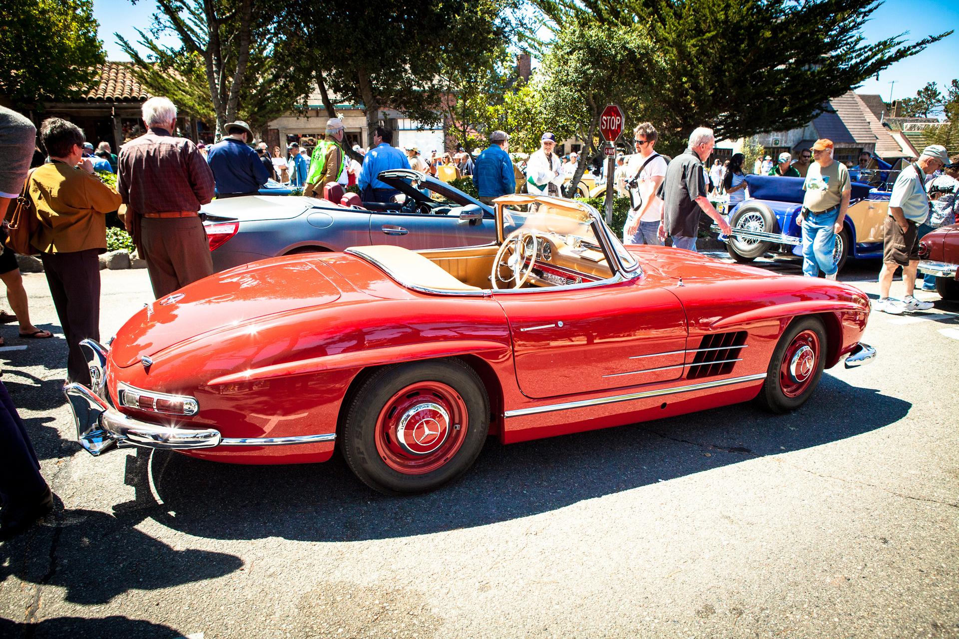 Mercedes-Benz 300 SL Roadster (W 198). Exterieurfoto von rechts. Monterey Car Week in Pebble Beach, 2012.